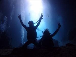 夫婦で青の洞窟ダイビング