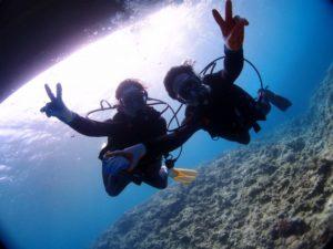 沖縄ダイビング 青の洞窟