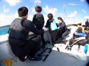 家族旅行 ボートシュノーケル