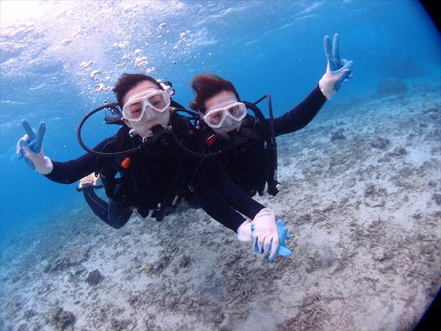 沖縄 サンゴの海で遊ぶ初めてのダイビング&シュノーケル2018年12月7日のお客様